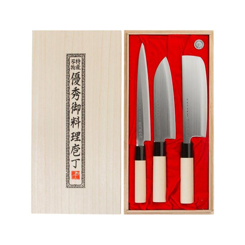 kolm nuga kinkekarbis
